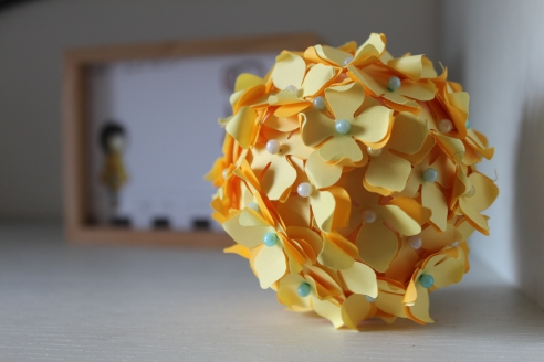 flower ball (yellow)