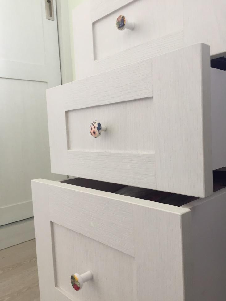 Decoupage study room drawer knobs