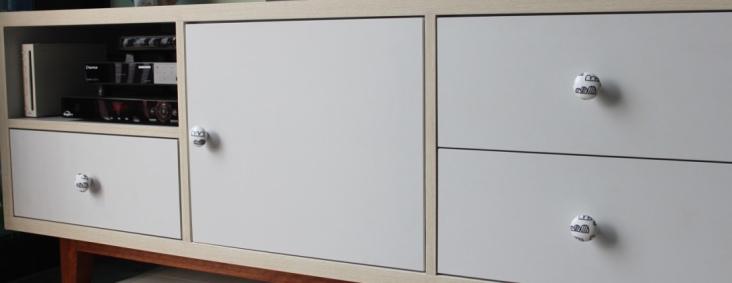 decoupage tv console knobs