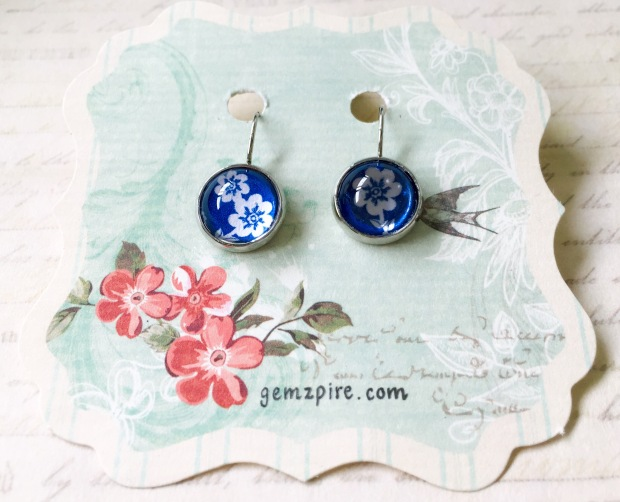 blue-floral-dangling-earrings