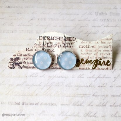 baby-blue-floral-dangling-earrings