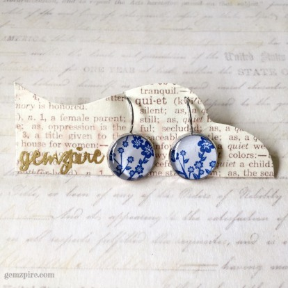 blue-white-dangling-earrings