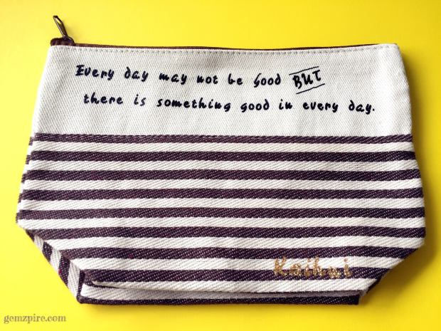 customised-christmas-pouch