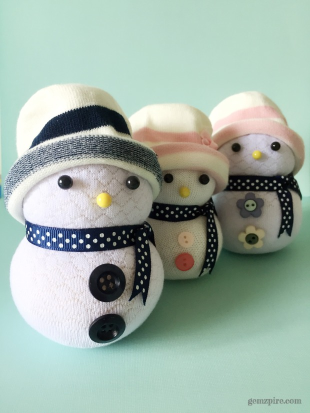 stylish-snowman-family-2